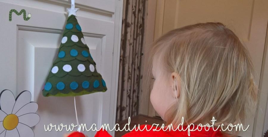 Een kerstboom met muziek