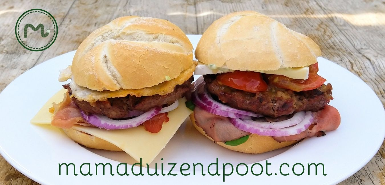 Broodje beefburger van de BBQ
