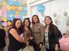 Nós duas com as amigas blogueiras Adriana (Mamães Facilidades e Dicas) e Andréia (Mãe Vaidosa)