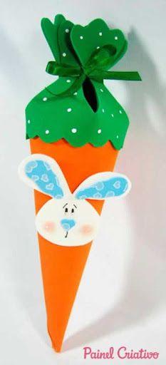 Porta-doces no formato de cenoura para a Páscoa. Encontrei aqui