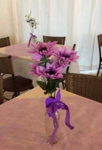 Arranjo da mesa dos convidados
