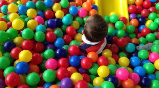 Diversão segura: 7 cuidados na contratação de recreação e buffet infantil