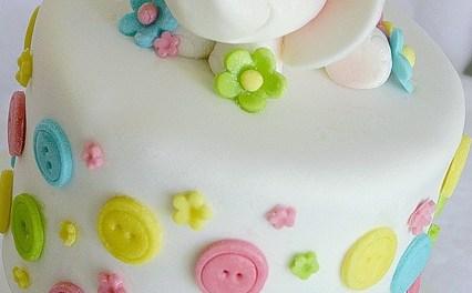 33 Inspirações de bolo para chá de bebê