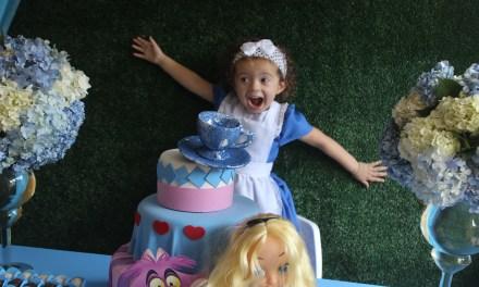 Festa Econômica – Tema Alice No País das Maravilhas – Larah 3 Anos