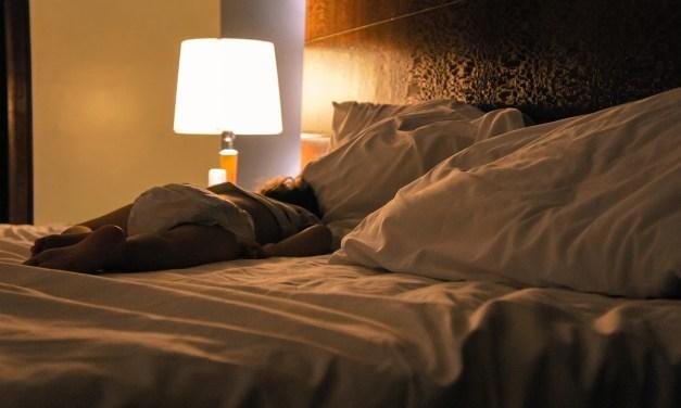 Dúvidas sobre o xixi na cama? Especialista responde!