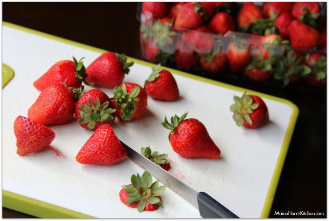 Strawbery Soda Mini-Cakes - Mama Harris' Kitchen