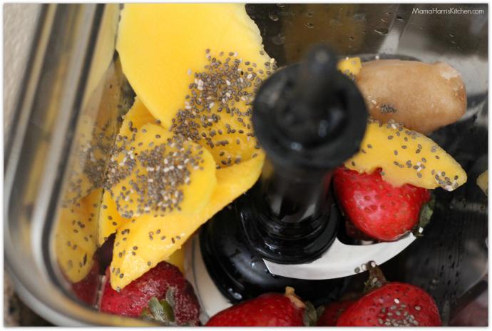 mango strawberry banana smoothie | Mama Harris' Kitchen