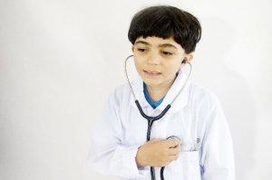 子供の咳が止まらない!熱ないけど病院に行くなら何科を受診?