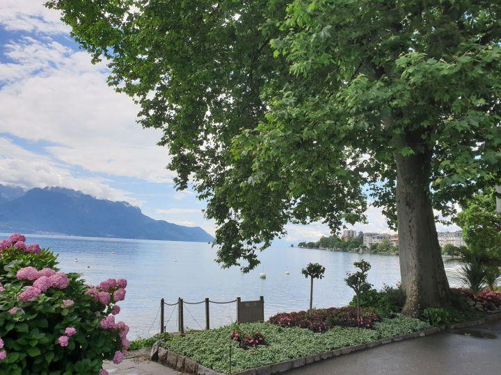 visiter Montreux Suisse - les quais fleuris de Montreux