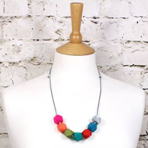 GEO BEADS SPECTRUM teehting necklace 2 - Alice bright GEO BEADS silicone teething necklace