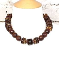 Laurie short necklace jewellery