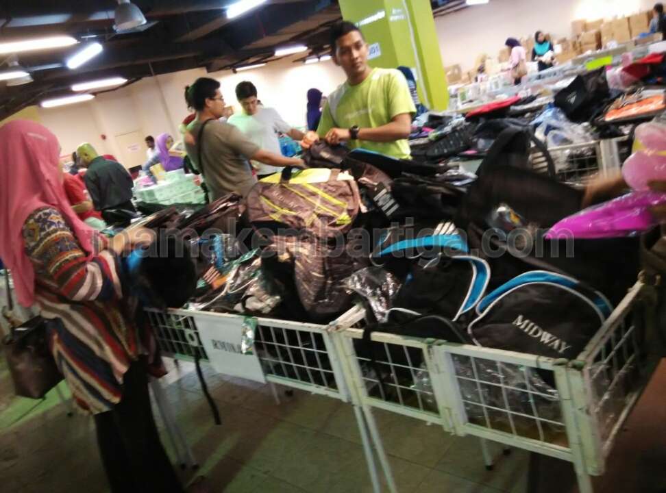 Warehouse Sale Wisma Minlon