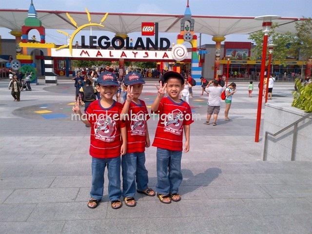 Kembar 3 di Legoland Johor