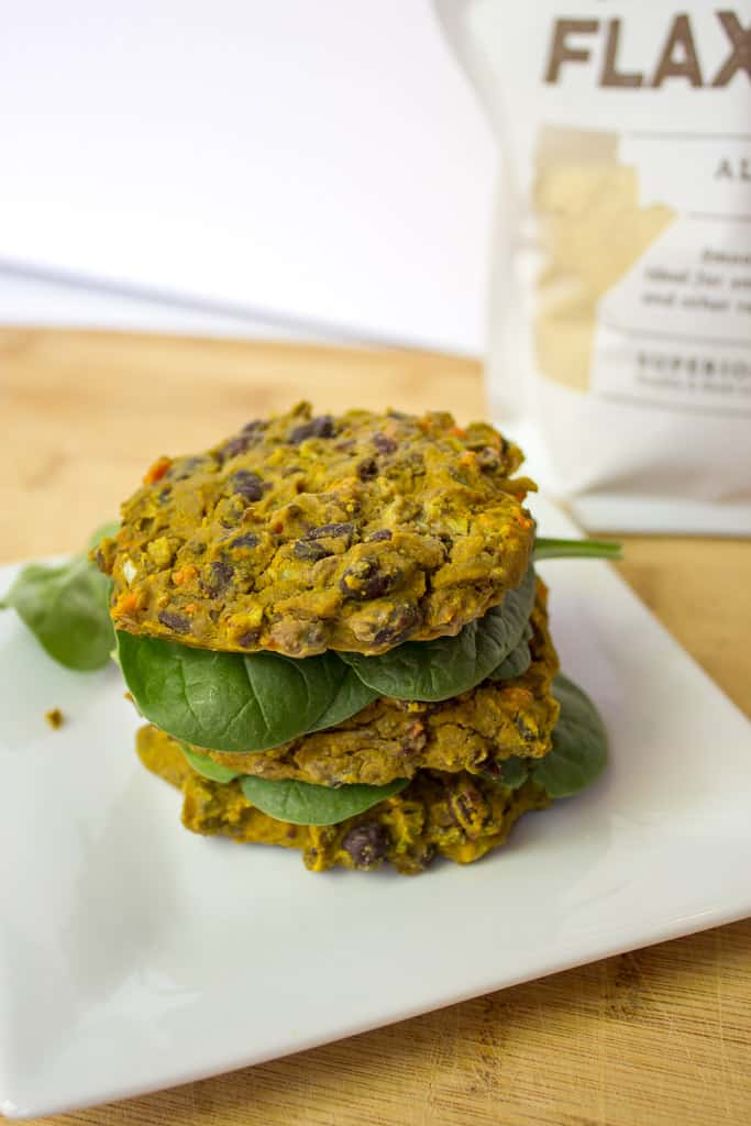 Black Bean Veggie Burger | mamaknowsnutrition.com