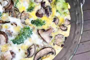 Mason Jar Veggie Frittata | mamaknowsnutrition.com