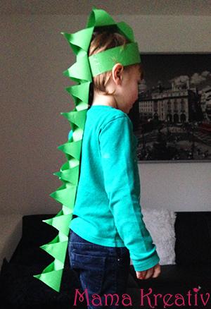 DIY Dino Kostüm für Kinder ganz einfach selber machen