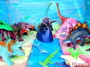 Dino-Welt im Karton