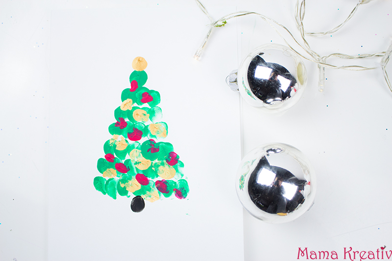 Weihnachtskarten basteln mit Kindern weihnachtsbaum aus fingerabdrücken