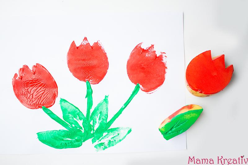 Malen im Frühling mit Kindern Kartoffeldruck Tulpen (3)