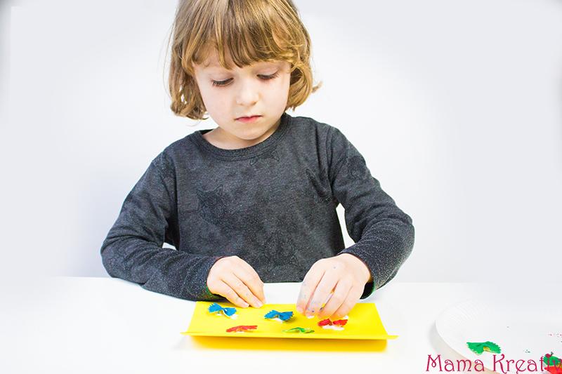 Malen im Frühling mit Kindern Schmetterling aus Farfalle 2