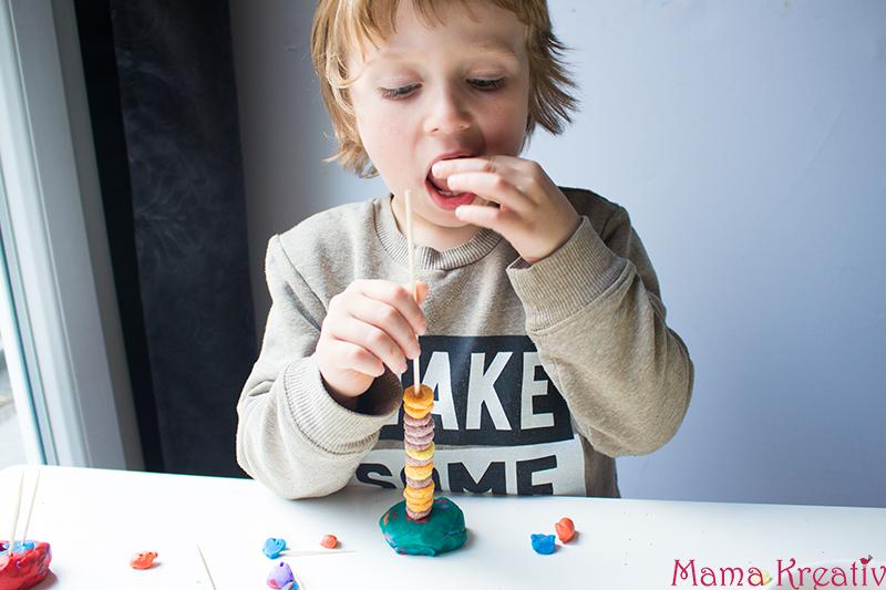 Feinmotorik Spiele für Kinder und Kleinkinder (20)