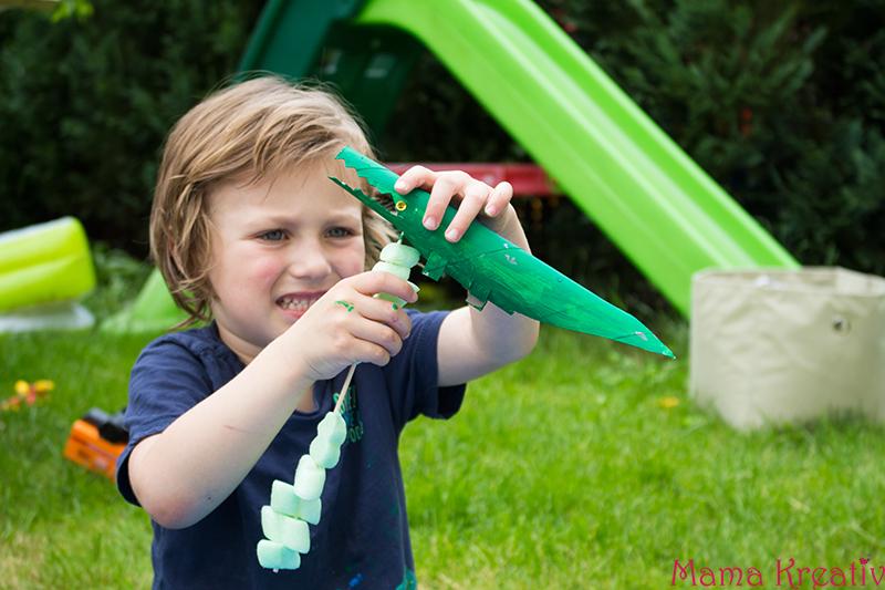 Spielen mit Kindern Ozean im Garten basteln (20)