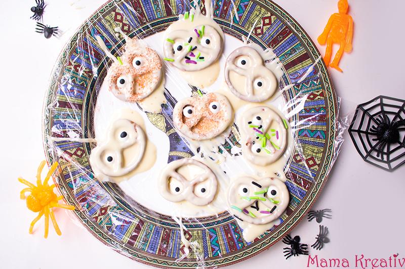 Halloween Party Rezepte Geister aus Salzbrezeln