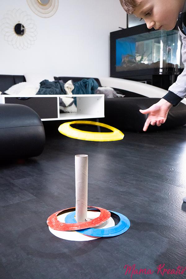 Basteln Fasching - Wurfspiel aus Papptellern basteln - Spiele und Bastelideen für Fasching - Basteln mit Kindern - DIY Spiele selber machen