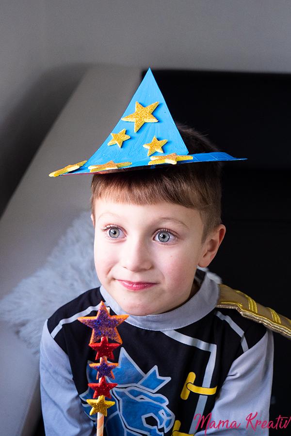 Basteln Fasching - Zauberer-Hut aus Pappteller basteln - Spiele und Bastelideen für Fasching - Basteln mit Kindern - DIY Spiele selber machen