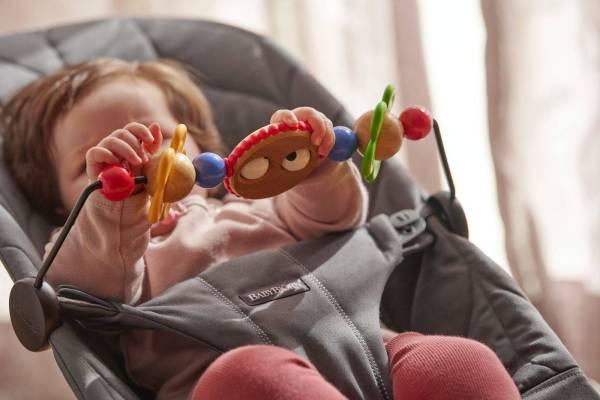 BABYBJÖRN gultukas Bliss Petal Quilt Cotton, Anthracite + žaisliukas Googly Eyes