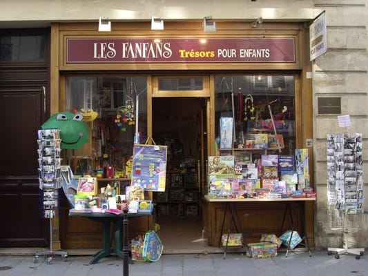 toy shops in paris