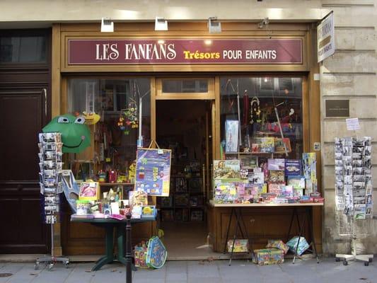 toy shops in paris