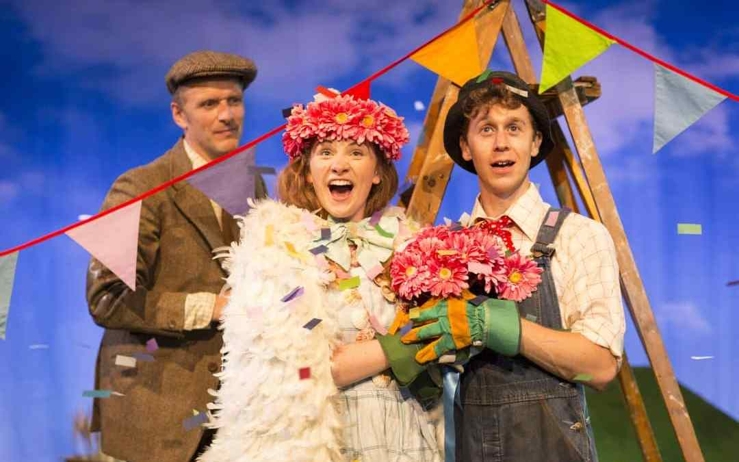 The Scarecrows Wedding: A sweet and tuneful day out at the theatre #review