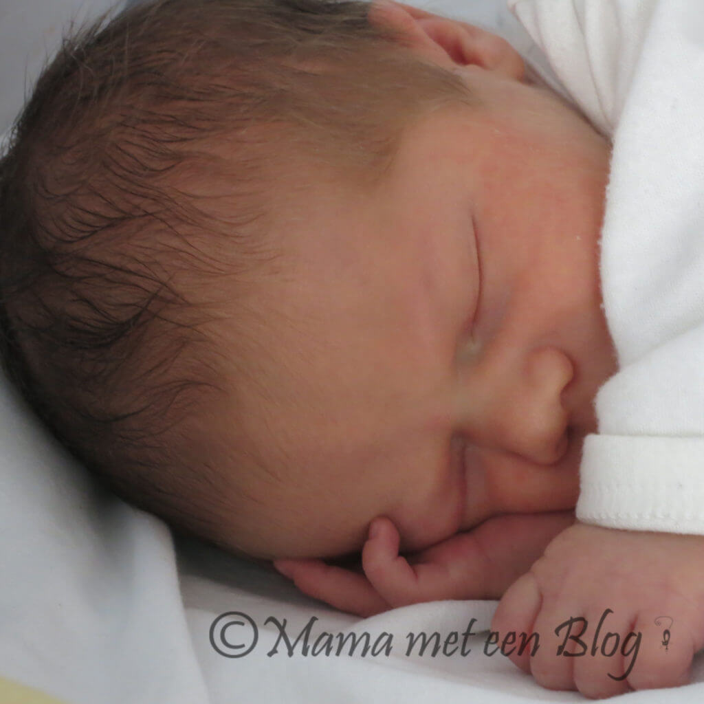 slapende baby liam