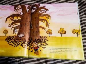 Boek-GroteBoom-bladeren