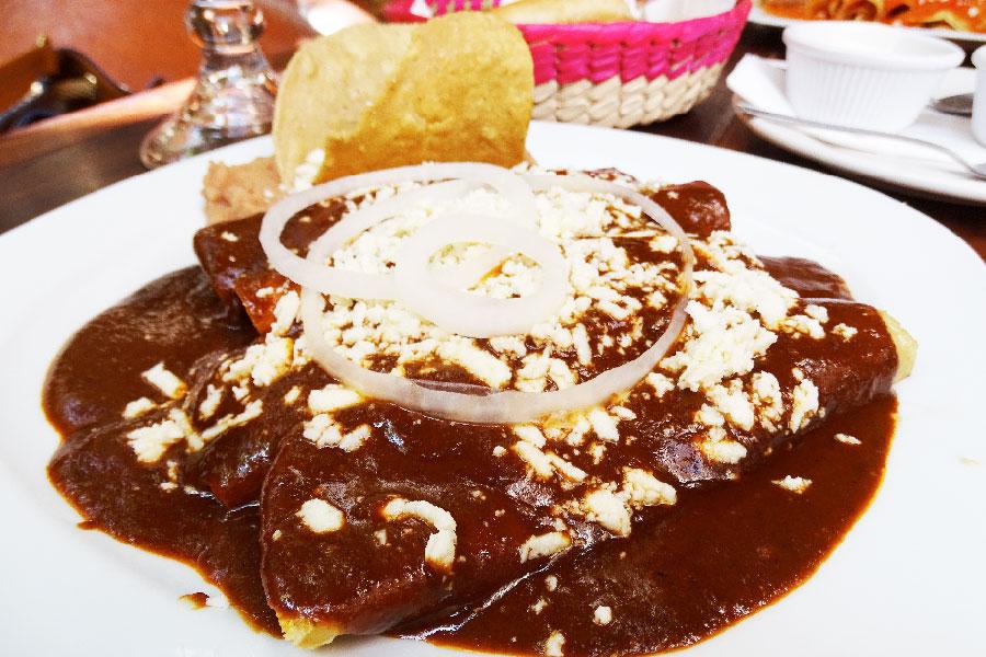 Enmoladas en MAMA MIA San Miguel de Allende