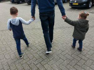 huldiging PSV papa met de kinderen
