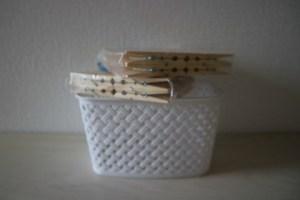 lenteshoplog wasknijpers en mandje