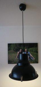 Nieuwe lampen in de woonkamer van directlampen.nl. Lamp achtertafel