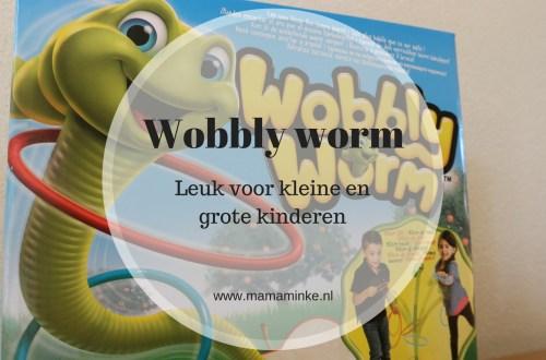 Wobbly worm, het spel voor kleine en grote kinderen uitgelichte afbeelding