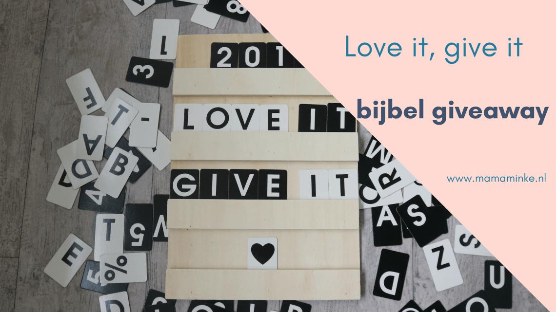 Love it, give it. Een bijbel winactie voor jou. Wat je lief hebt moet je delen. Dus kun je dit jaar een bijbel bij mij winnen. Kijk op instagram om mee te doen. uitgelichte afbeelding