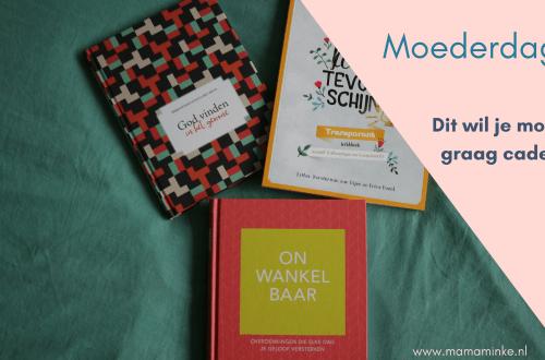 Cadeautips voor moederdag, een bijbel of christelijk boek. Van dure cadeautjes tot budgettips. uitgelichte afbeelding