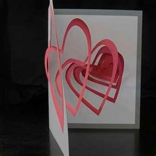 वेलेंटाइन डे के लिए शिल्प: हृदय के साथ कार्ड