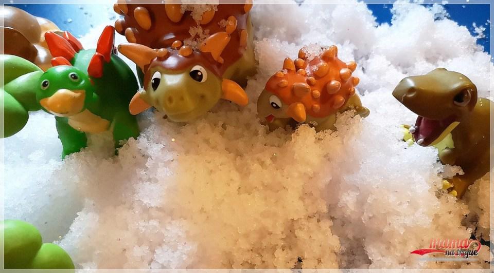 zabawa ze sztucznym śniegiem, sztuczny śnieg, tuban, eksperyment