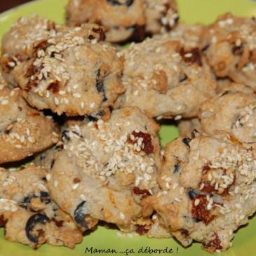 Cookies sarrasin, olives noires et tomates séchées