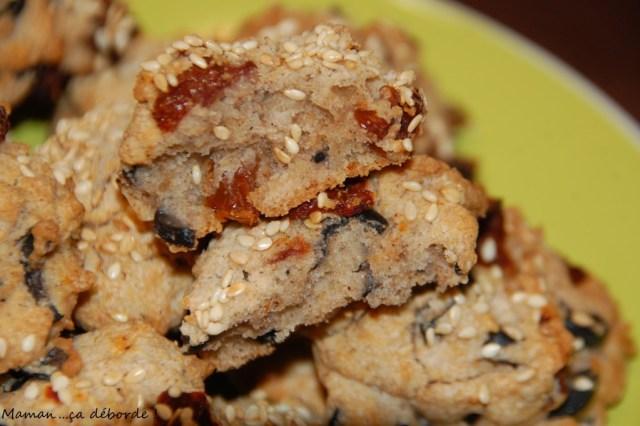 Cookies au sarrazin, olives noires et tomates sechées