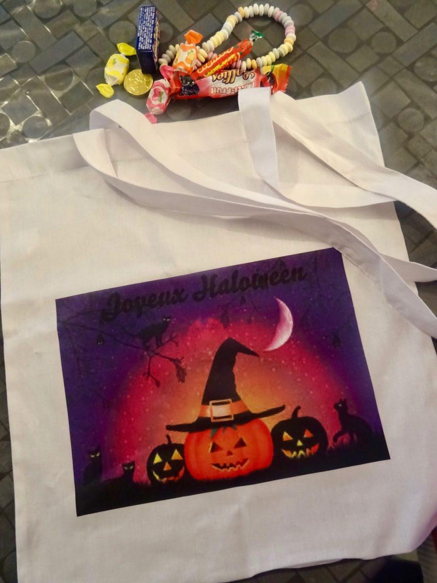 Ici on se prépare à fêter Halloween avec des bonbons et Your'Surprise