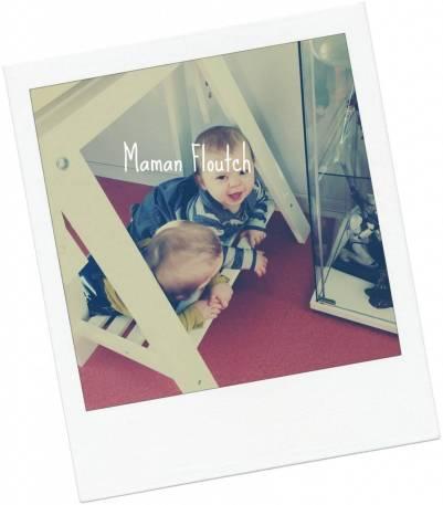 complicité jumeaux 10 mois