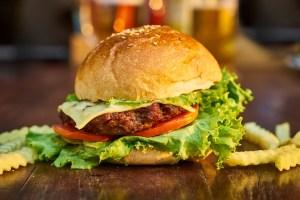 burger-3199088_960_720