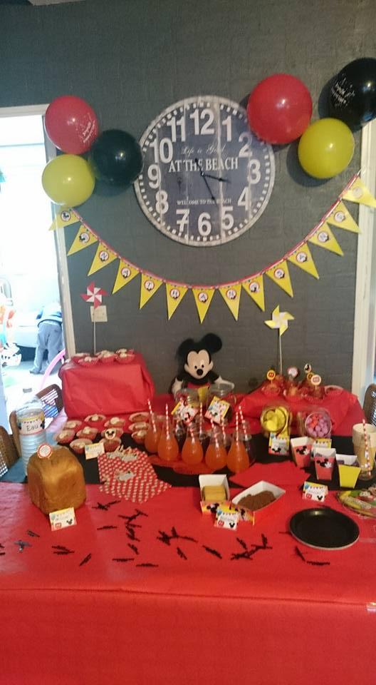 D co d anniversaire mickey pour les 5 ans de nathan maman pouponne papa bricole - Decoration mickey anniversaire ...